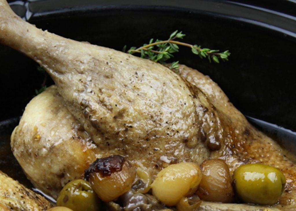 Ragoût de demi-canard aux olives et au thym en mijoteuse
