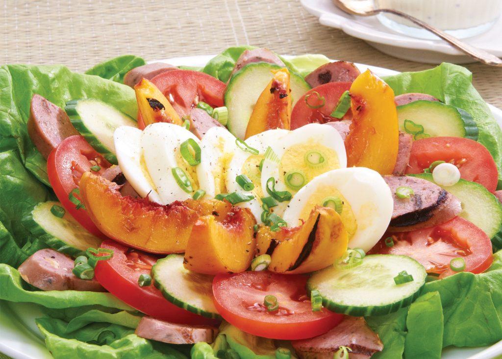 Salade Cobb de saucisses de canard